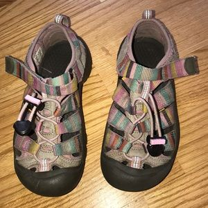 Keen Youth Sz1 Pastel Rainbow Water Hiking Sandals